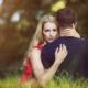 Tabuthema Mundgeruch Frau wendet sich beim Küssen ab Zahnarzt Wunderlich München